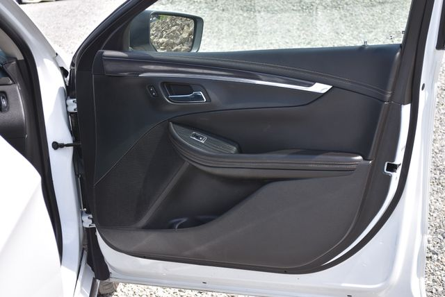 2018 Chevrolet Impala LT Naugatuck, Connecticut 10