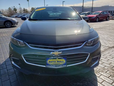 2018 Chevrolet Malibu LT | Champaign, Illinois | The Auto Mall of Champaign in Champaign, Illinois