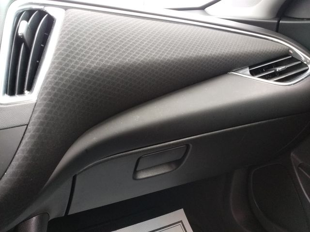 2018 Chevrolet Malibu LT Houston, Mississippi 15