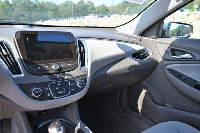 2018 Chevrolet Malibu LT Naugatuck, Connecticut 22