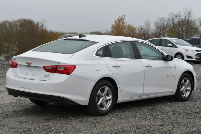 2018 Chevrolet Malibu LS Naugatuck, Connecticut 4
