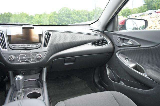 2018 Chevrolet Malibu LT Naugatuck, Connecticut 17