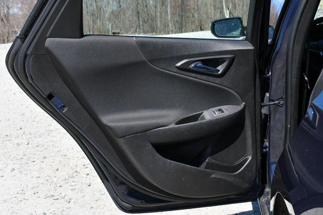 2018 Chevrolet Malibu LT Naugatuck, Connecticut 14