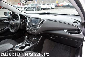 2018 Chevrolet Malibu LT Waterbury, Connecticut 16