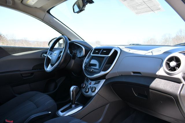 2018 Chevrolet Sonic LT Naugatuck, Connecticut 10