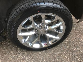 2018 Chevrolet Suburban LT Farmington, MN 9
