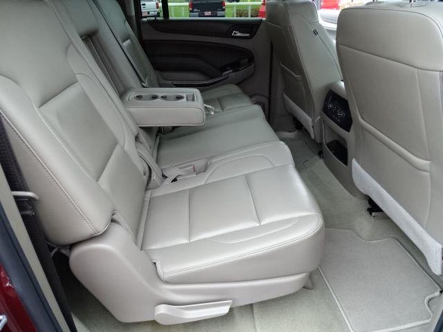 2018 Chevrolet Suburban LT Valparaiso, Indiana 12