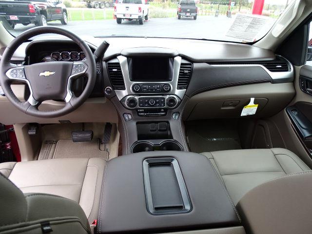 2018 Chevrolet Suburban LT Valparaiso, Indiana 14
