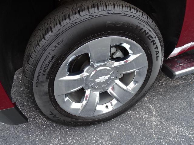 2018 Chevrolet Suburban LT Valparaiso, Indiana 7