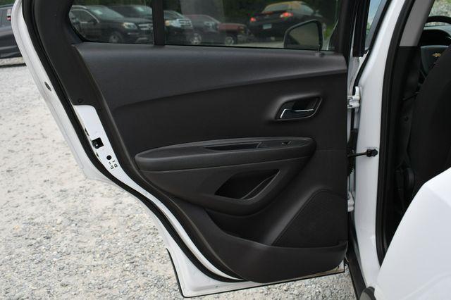 2018 Chevrolet Trax LS Naugatuck, Connecticut 15