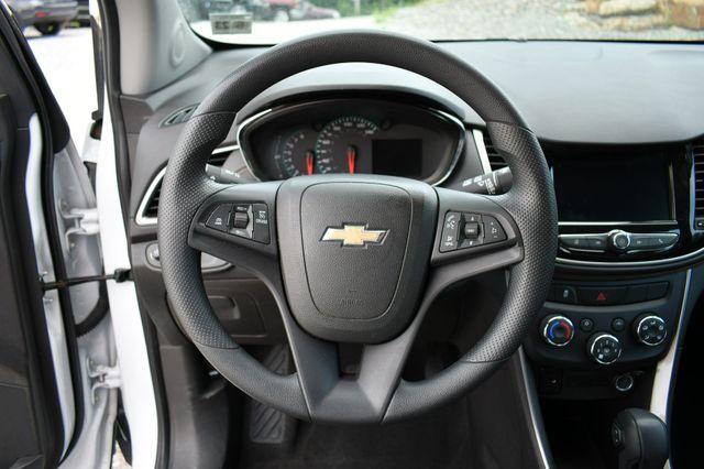 2018 Chevrolet Trax LS Naugatuck, Connecticut 23