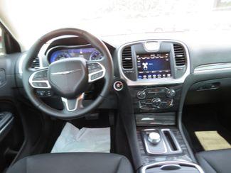 2018 Chrysler 300 Touring Batesville, Mississippi 22