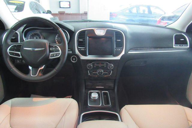 2018 Chrysler 300 Limited W/ NAVIGATION SYSTEM/ BACK UP CAM Chicago, Illinois 13