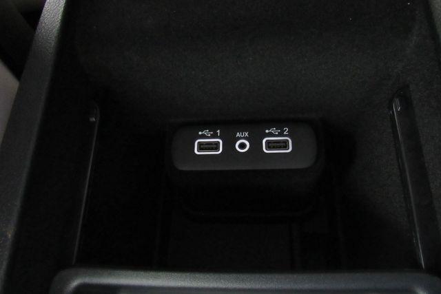 2018 Chrysler 300 Limited W/ NAVIGATION SYSTEM/ BACK UP CAM Chicago, Illinois 22
