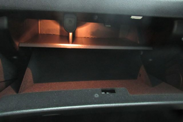 2018 Chrysler 300 Limited W/ NAVIGATION SYSTEM/ BACK UP CAM Chicago, Illinois 23