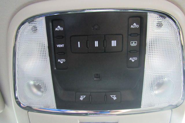 2018 Chrysler 300 Limited W/ NAVIGATION SYSTEM/ BACK UP CAM Chicago, Illinois 24