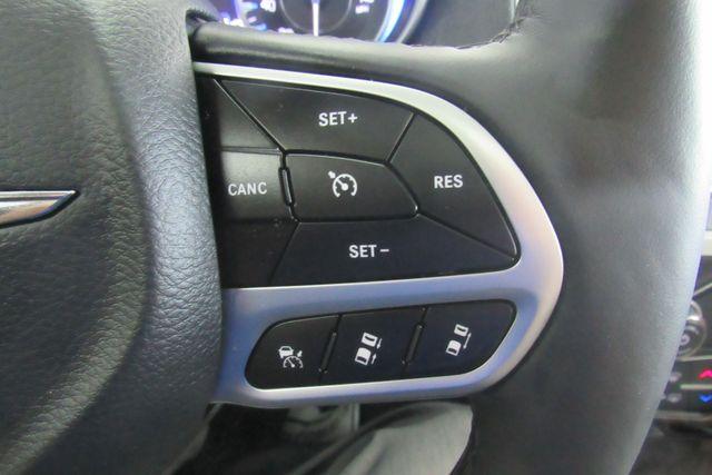 2018 Chrysler 300 Limited W/ NAVIGATION SYSTEM/ BACK UP CAM Chicago, Illinois 27