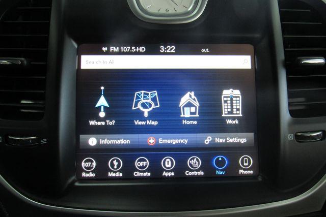 2018 Chrysler 300 Limited W/ NAVIGATION SYSTEM/ BACK UP CAM Chicago, Illinois 18
