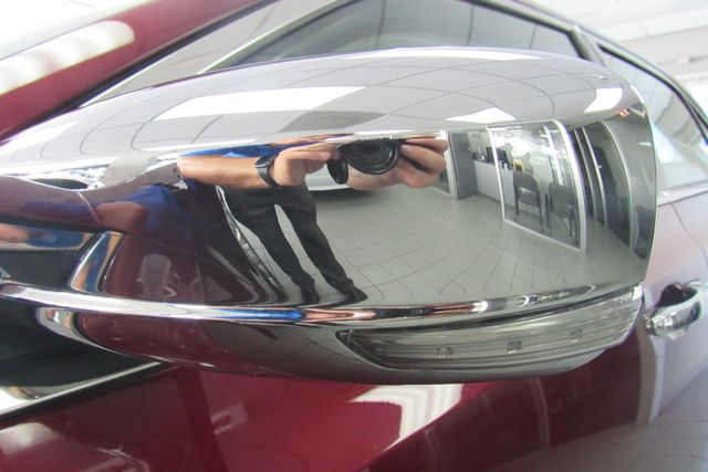 2018 Chrysler 300 Limited W/ NAVIGATION SYSTEM/ BACK UP CAM Chicago, Illinois 36
