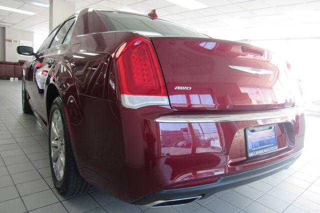 2018 Chrysler 300 Limited W/ NAVIGATION SYSTEM/ BACK UP CAM Chicago, Illinois 6