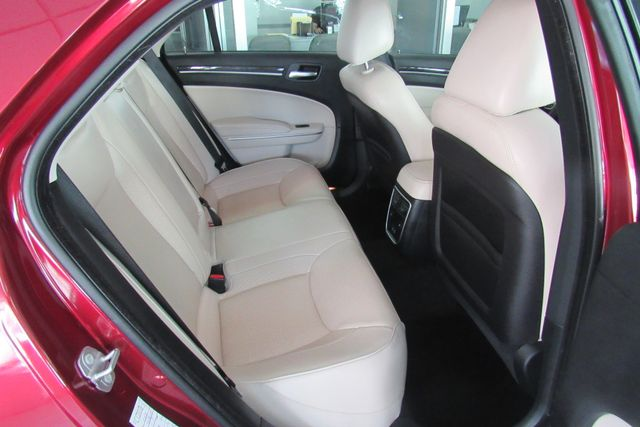 2018 Chrysler 300 Limited W/ NAVIGATION SYSTEM/ BACK UP CAM Chicago, Illinois 10