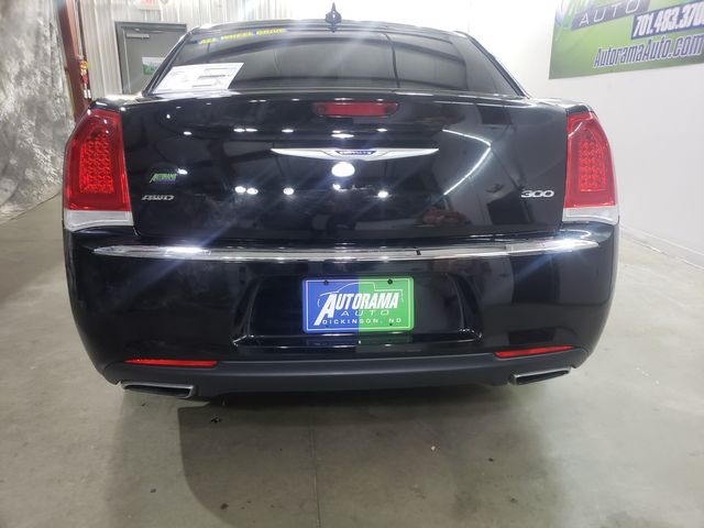 2018 Chrysler 300 Limited AWD ALL WHEEL DRIVE in Dickinson, ND 58601