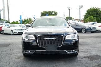 2018 Chrysler 300 Limited Hialeah, Florida 1
