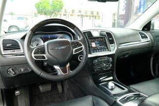 2018 Chrysler 300 Limited Hialeah, Florida 12
