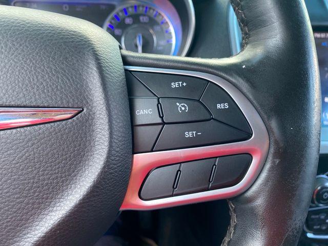 2018 Chrysler 300 Limited Madison, NC 31