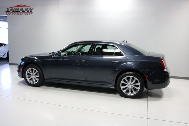 2018 Chrysler 300 Touring Merrillville, Indiana 36