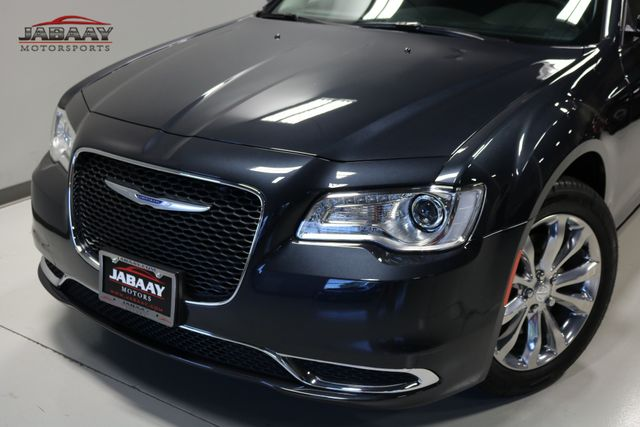 2018 Chrysler 300 Touring Merrillville, Indiana 29