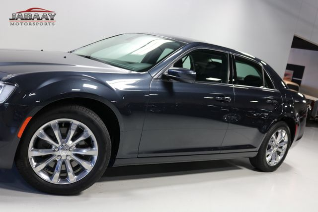 2018 Chrysler 300 Touring Merrillville, Indiana 30