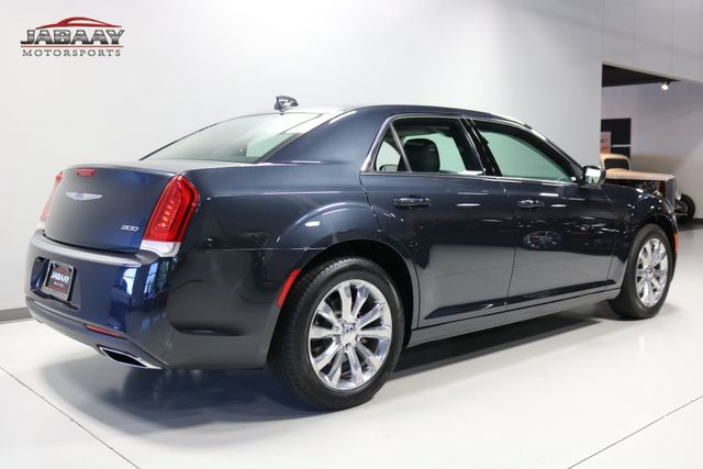 2018 Chrysler 300 Touring Merrillville, Indiana 4