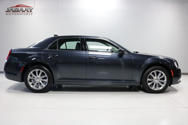 2018 Chrysler 300 Touring Merrillville, Indiana 5