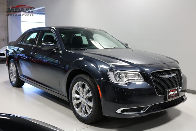 2018 Chrysler 300 Touring Merrillville, Indiana 6