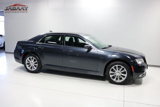2018 Chrysler 300 Touring Merrillville, Indiana 42