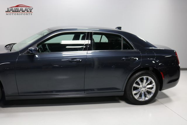 2018 Chrysler 300 Touring Merrillville, Indiana 32