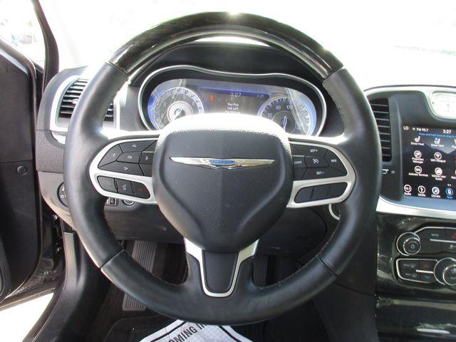 2018 Chrysler 300 Limited Miami, Florida 11
