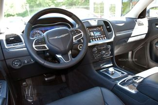 2018 Chrysler 300 Limited Waterbury, Connecticut 13