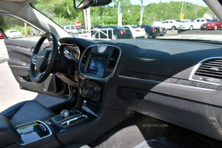 2018 Chrysler 300 Limited Waterbury, Connecticut 19