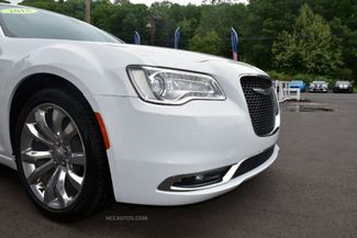 2018 Chrysler 300 Limited Waterbury, Connecticut 11