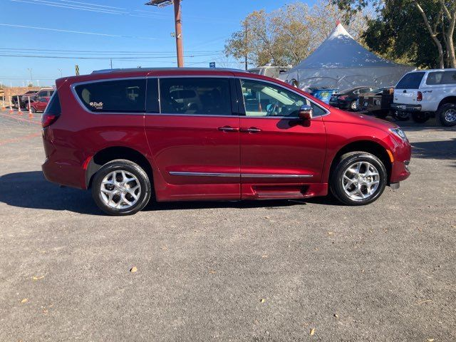 2018 Chrysler Pacifica Limited ROLLX Wheelchair Conversion