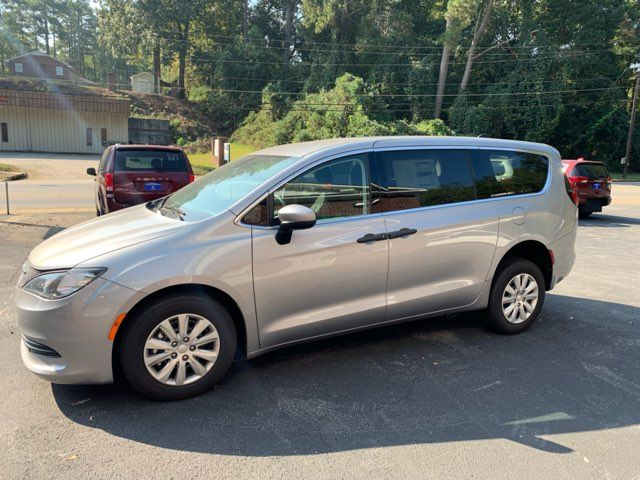 2018 Chrysler Pacifica Handicap wheelchair accessible rear entry Dallas, Georgia 1