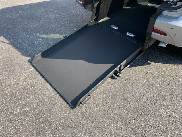 2018 Chrysler Pacifica Handicap wheelchair accessible rear entry Dallas, Georgia 16