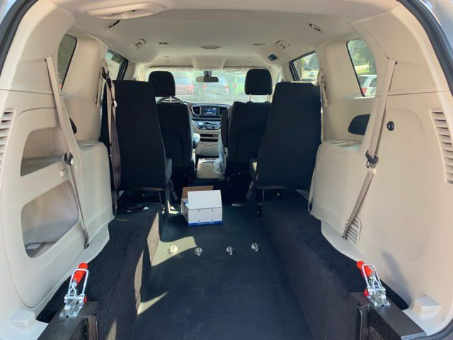 2018 Chrysler Pacifica Handicap wheelchair accessible rear entry Dallas, Georgia 18