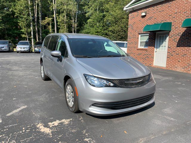 2018 Chrysler Pacifica Handicap wheelchair accessible rear entry Dallas, Georgia 3