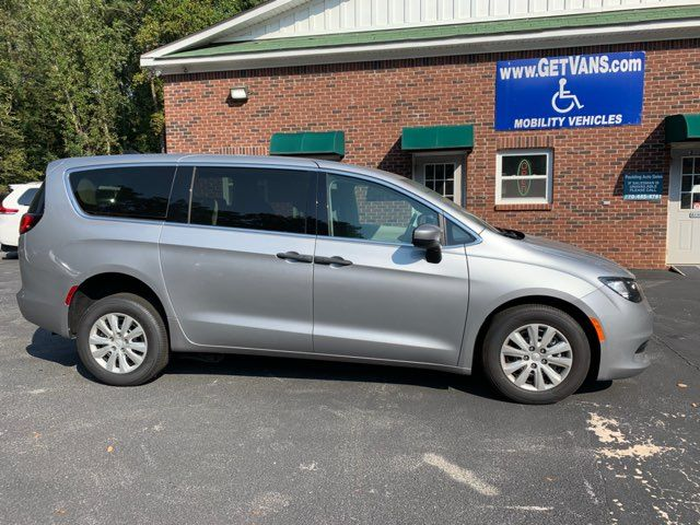 2018 Chrysler Pacifica Handicap wheelchair accessible rear entry Dallas, Georgia 4