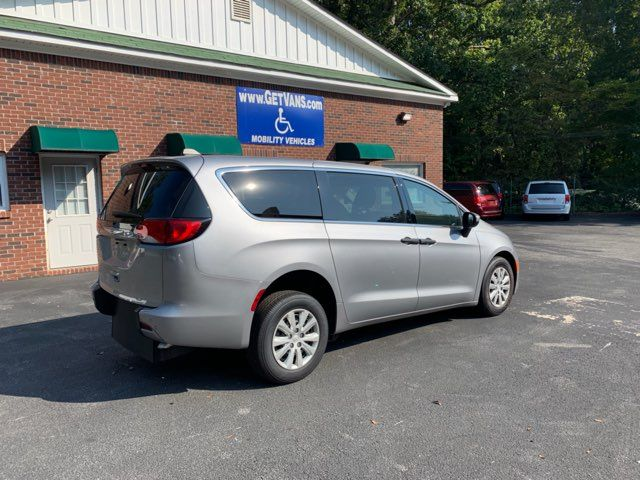2018 Chrysler Pacifica Handicap wheelchair accessible rear entry Dallas, Georgia 5