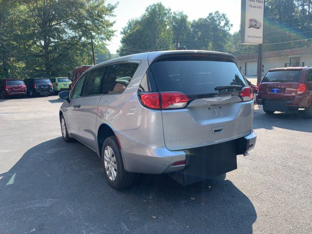 2018 Chrysler Pacifica Handicap wheelchair accessible rear entry Dallas, Georgia 7