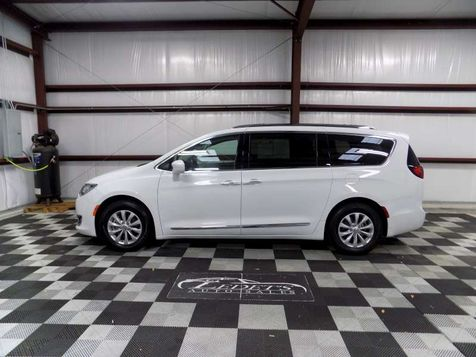 2018 Chrysler Pacifica Touring L - Ledet's Auto Sales Gonzales_state_zip in Gonzales, Louisiana